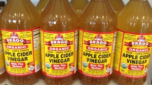 Health Benefits & Uses of Apple Cider Vinegar (Organic With Mother)