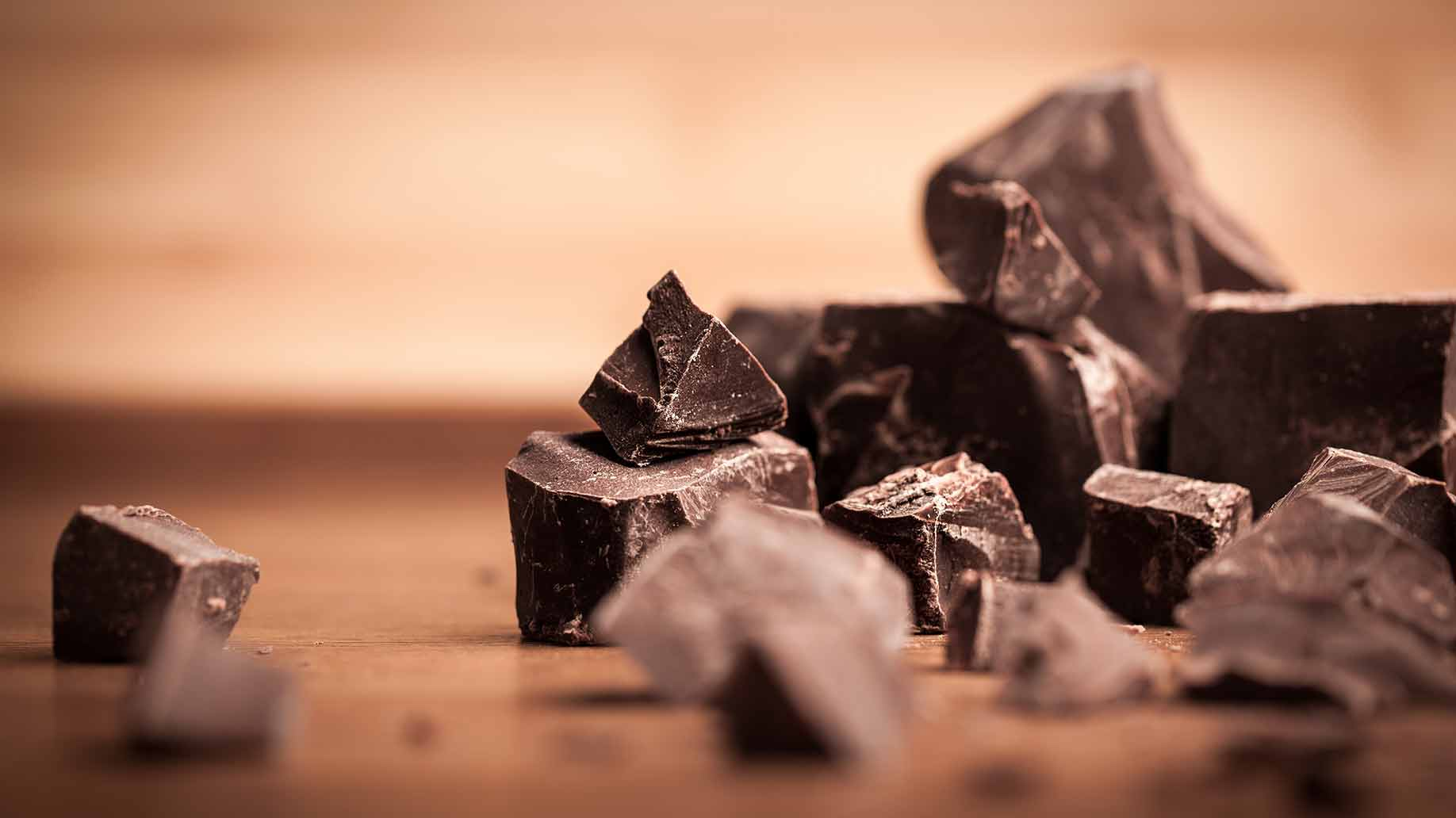 dark chocolate health benefits antioxidants anti-inflammatory flavonoids