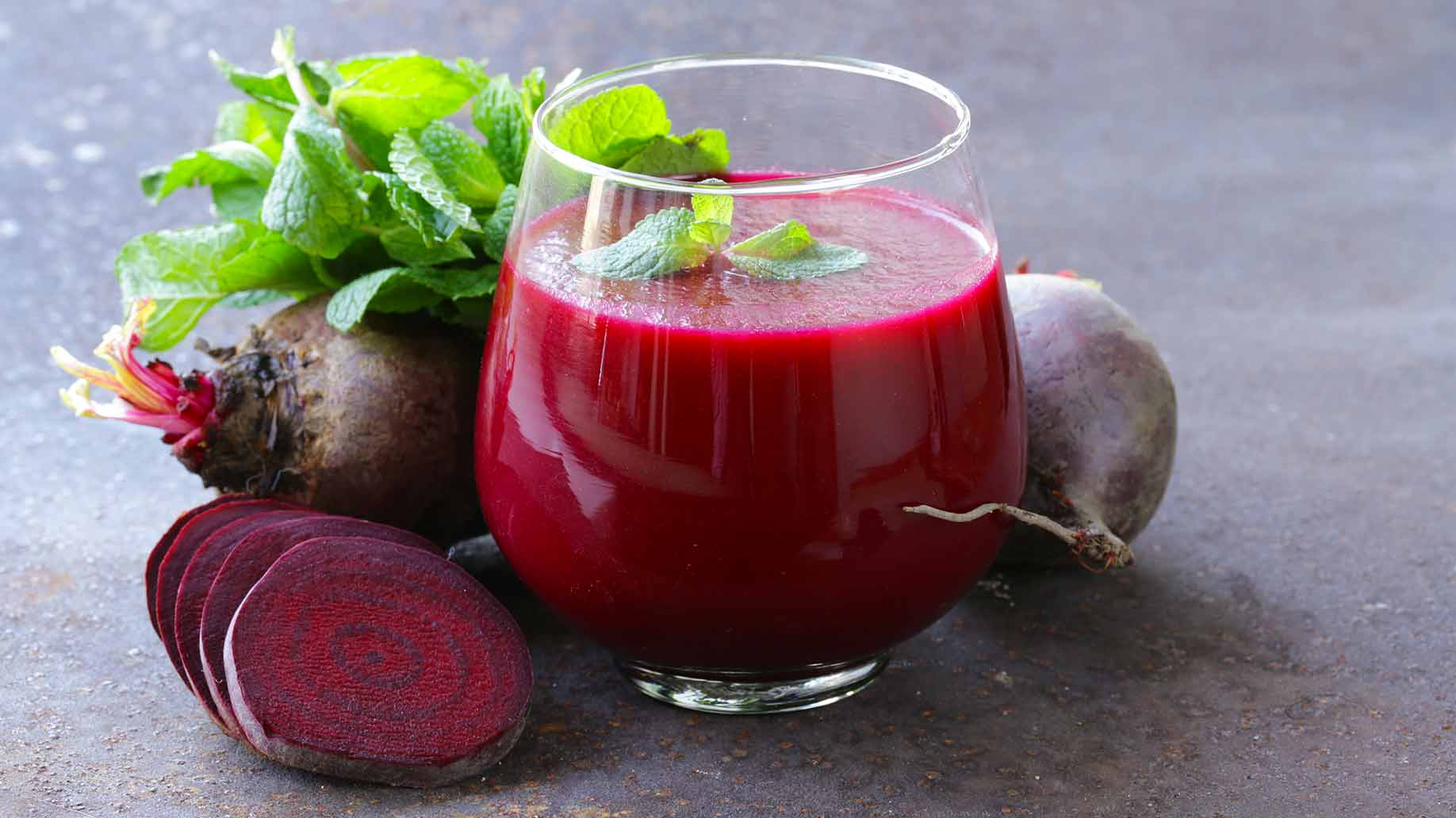 beets radishes fresh raw juice natural remedy to lower high blood pressure hypertension