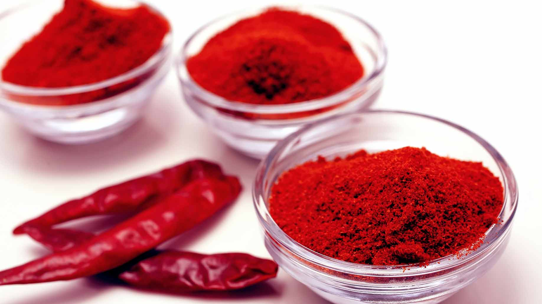 cayenne pepper capsaicin red powder natural remedy to lower high blood pressure hypertension