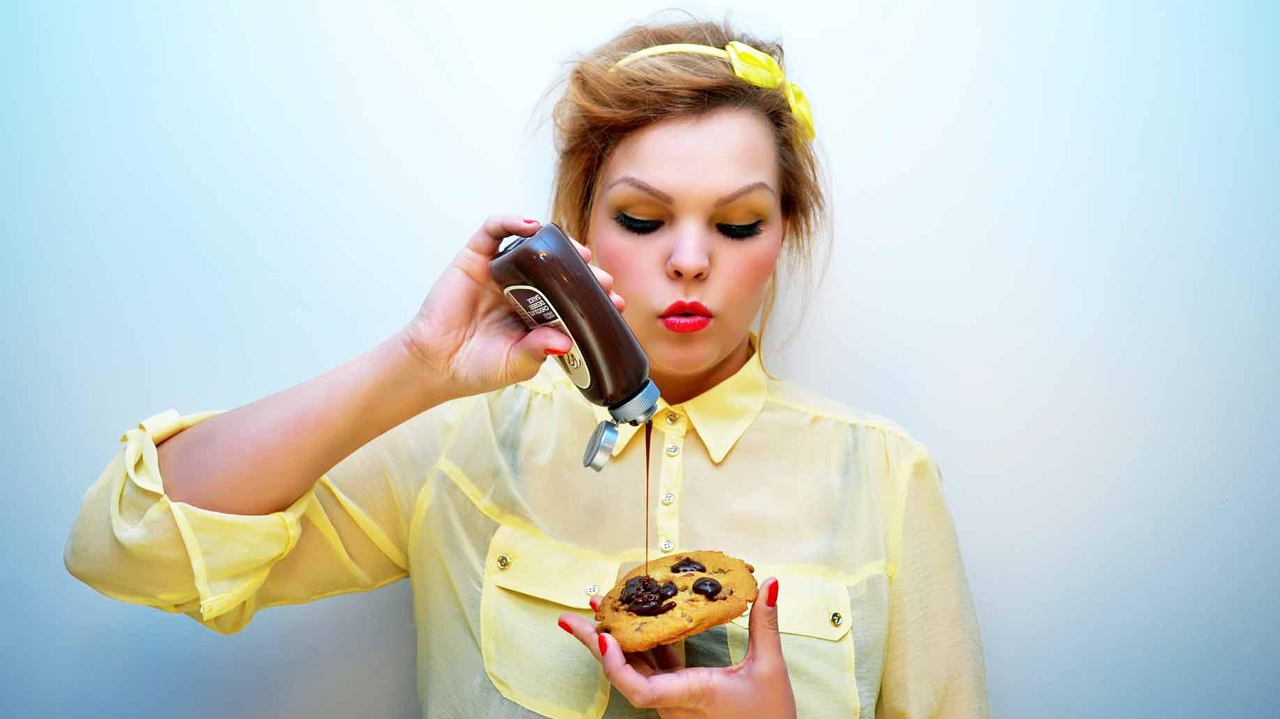 cravings hormone imbalance pms periods menses menopause natural remedies balance
