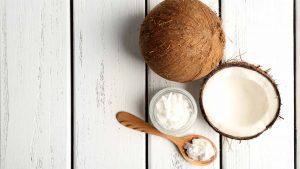 7 Health Benefits of Coconut Oil for Your Skin & Body