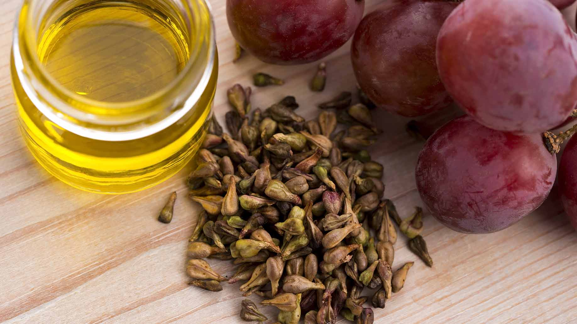 grapeseed oil skin care moisturizers sunscreen diabetes wound healing infections mrsa weight loss antibacterial natural health benefits remedies