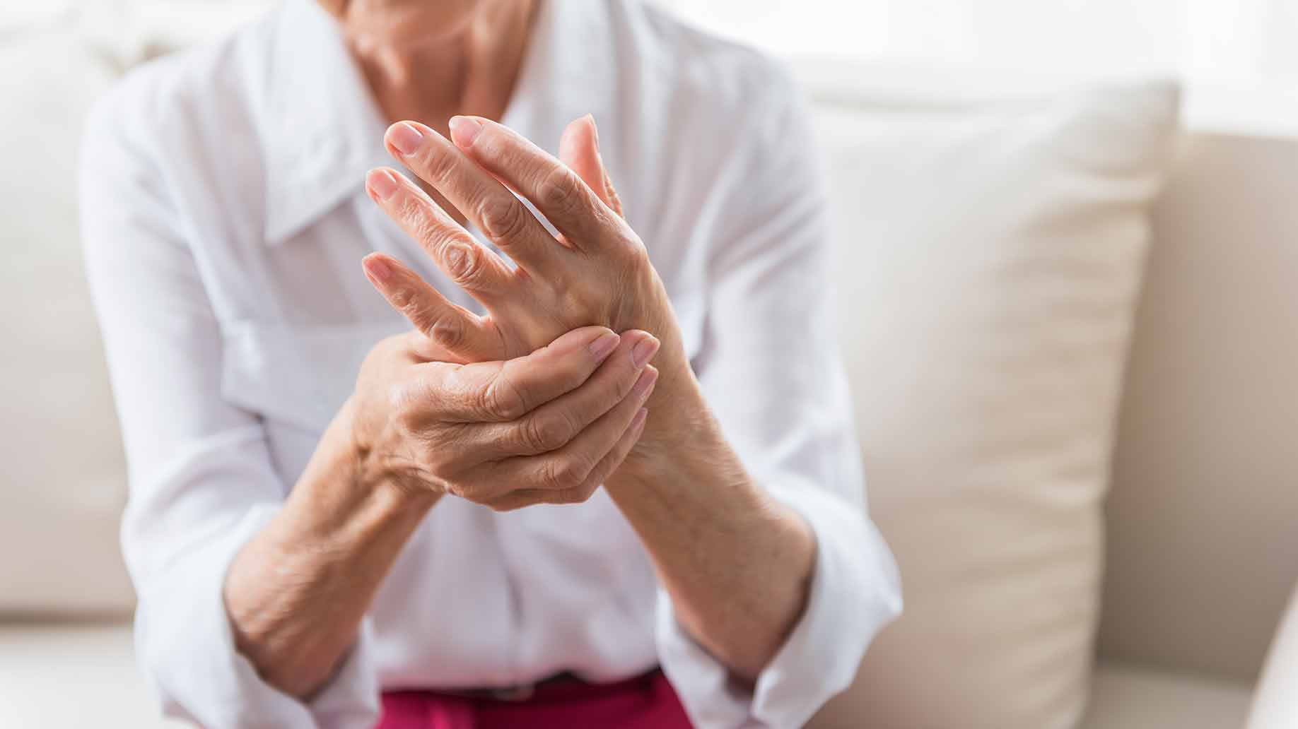 arthritis inflammation pain joints bones swelling aches natural remedies turmeric curcumin health benefits