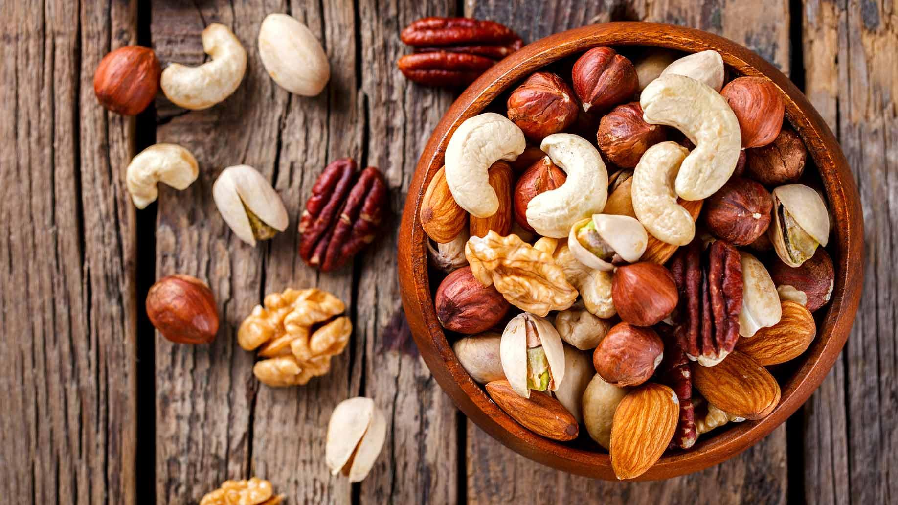 spicy mixed nuts pecans walnut cashew healthy snacks