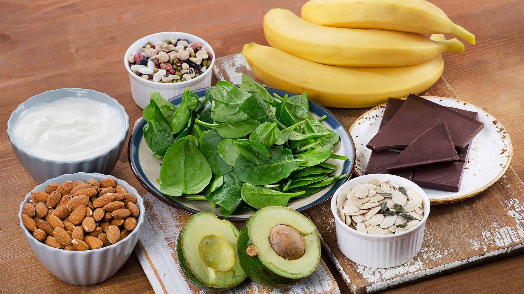 magnesium bananas seeds nuts green leafy vegetables almonds yogurt dark chocolate avocado insomnia sleep disorder natural remedies aid