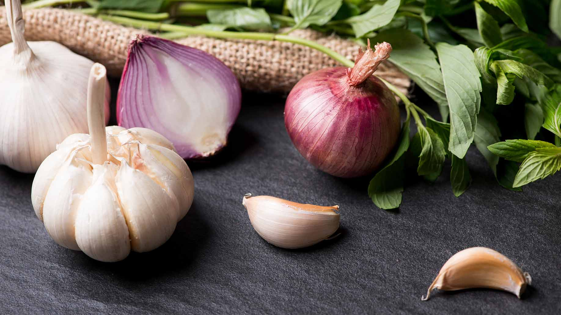 garlic onions hair loss thinning balding natural remedies