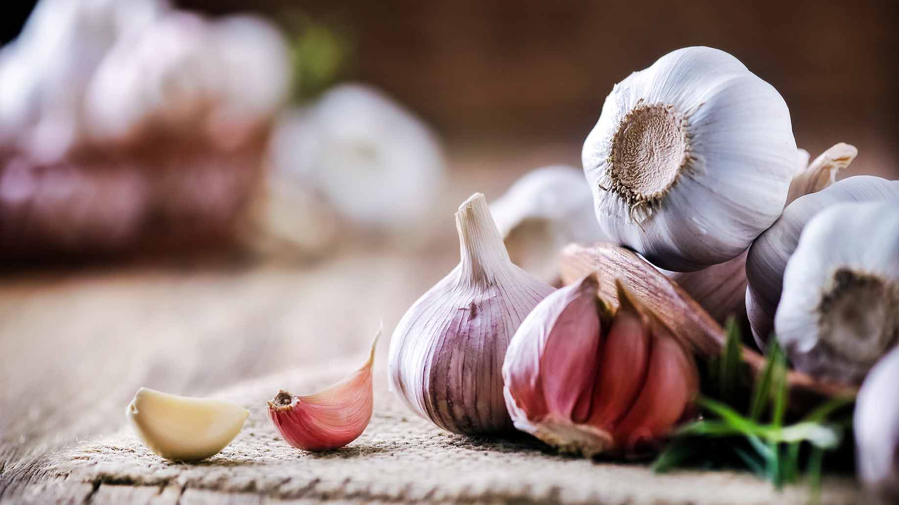 high cholesterol garlic cloves heart health natural remedies