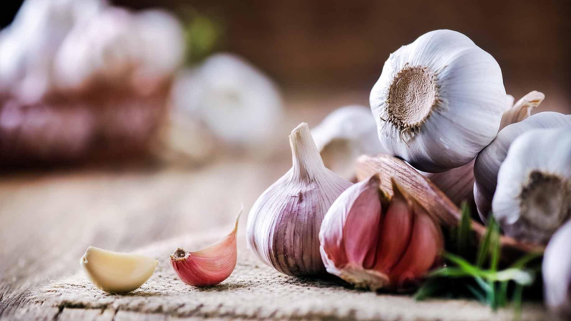 high cholesterol garlic cloves heart health natural remedies