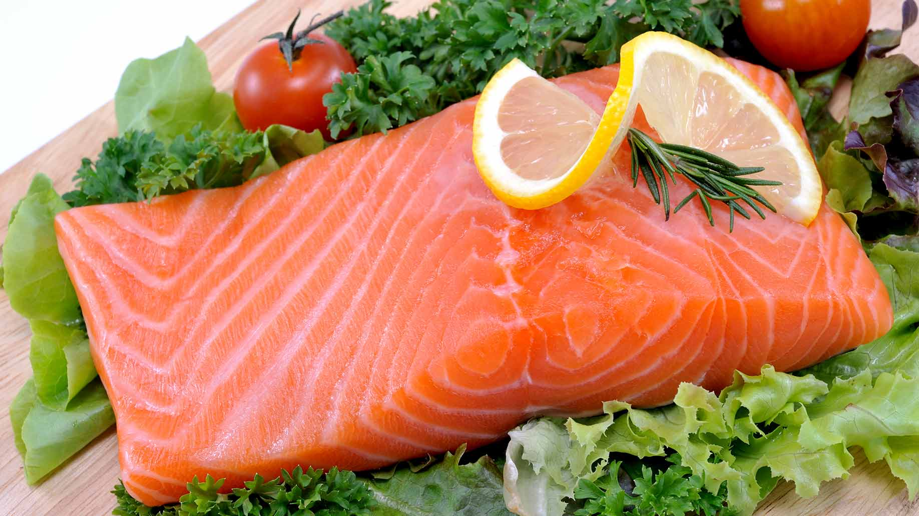 fatty fish salmon omega 3 oil gout inflammation natural remedies