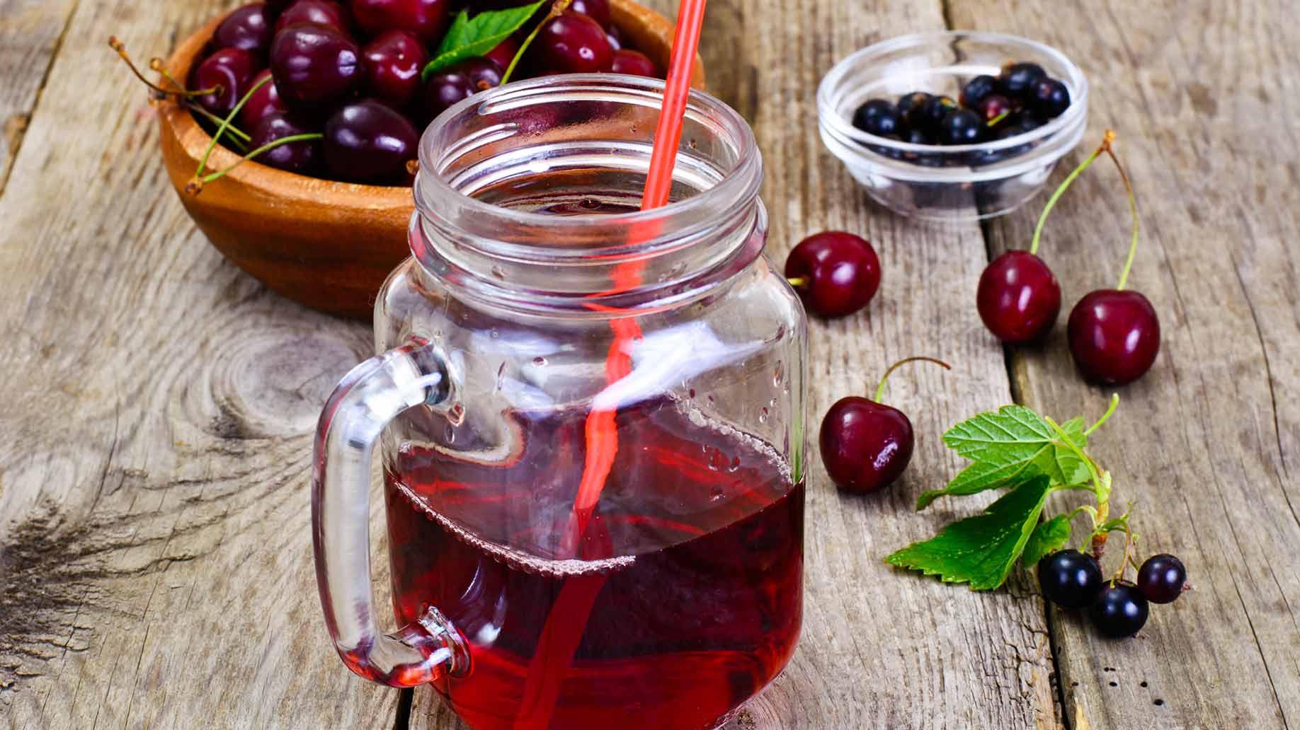 tart cherries juice gout flair up inflammation natural remedies
