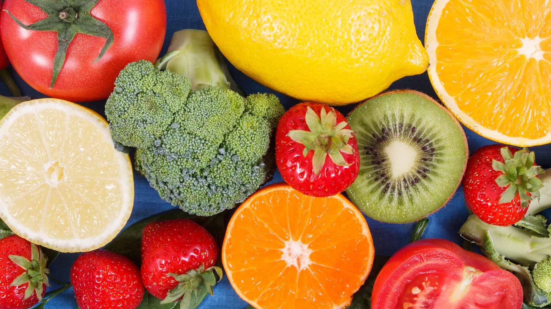 tomato broccoli kiwi strawberries lemon oranges grapefruit vitamin c gout inflammation natural remedies